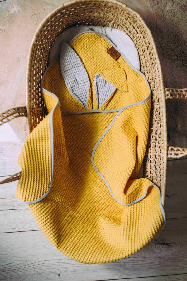 Kopalna brisača iz vaflja s kapuco zajček - rumena